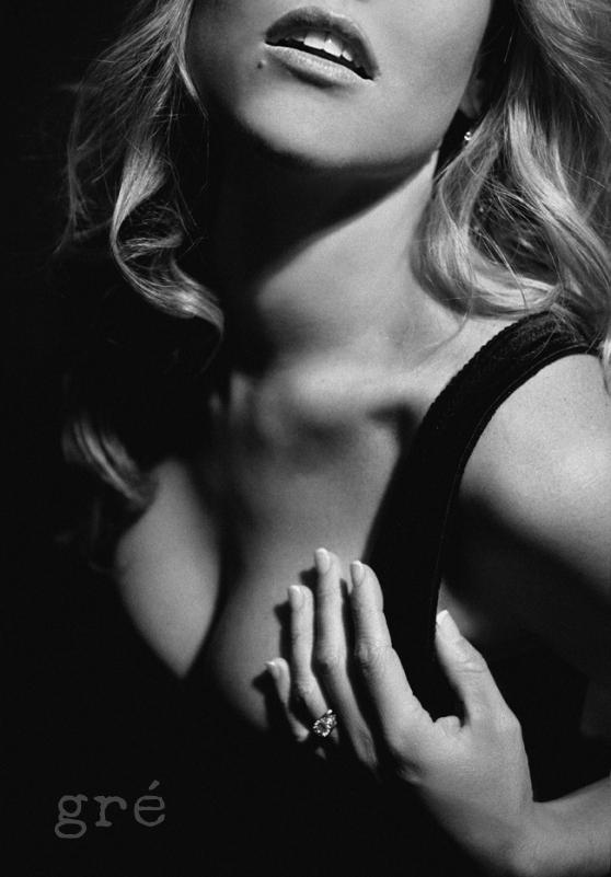 hot-continous-lighting-boudoir-photography-nude