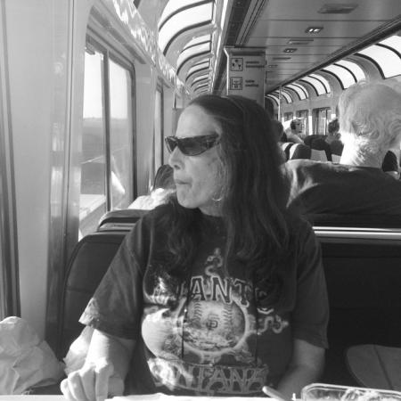 kelly-segre-amtrak-strangers-on-a-train-26