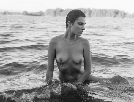 fashion-nude-water-fine-art-roarie-yum-kelly-segre-01