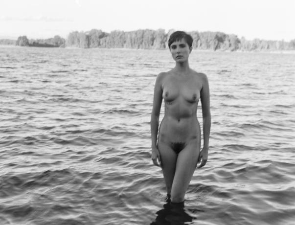 fashion-nude-water-fine-art-roarie-yum-kelly-segre-03