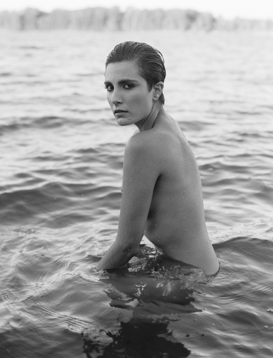 fashion-nude-water-fine-art-roarie-yum-kelly-segre-10